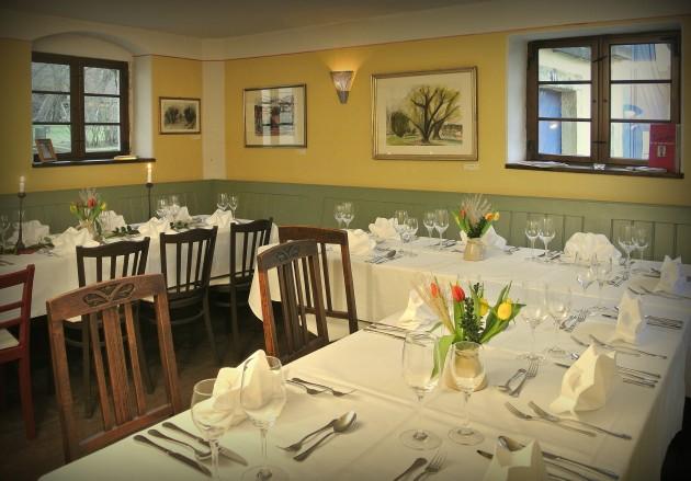 Unser Gastraum im Weinhaus Aust - gestalten wir für Sie gern Fein oder Rustikal
