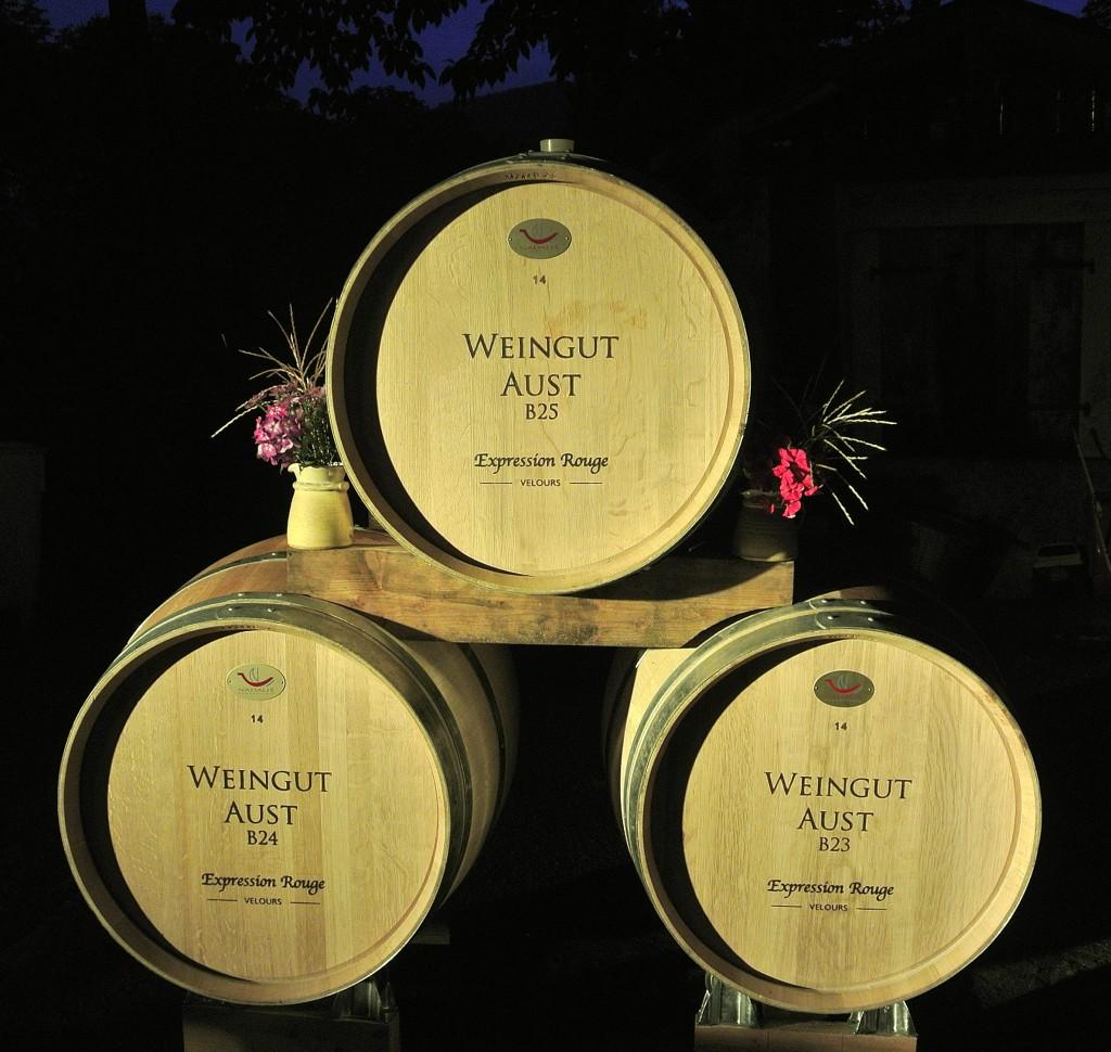 Es werden für unsere Rotweine mmer wieder neue Barriquefässer gekauft, drei Jahre sidn diese dann für unsere besten Weine in Benutzung.