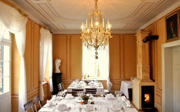 Historischer Gartensalon im Weingut Aust
