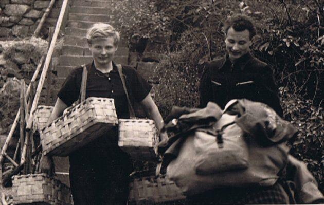 Ulrich Aust mit Bruder Frieder bei der Weinlese